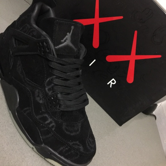 pretty nice c2c1c 264a4 KAWS x Air Jordan 4 Retro 'Black NWT